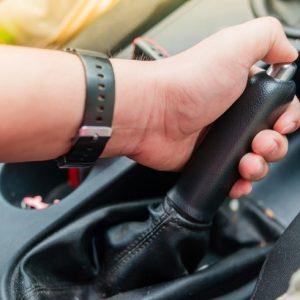 Pasang Rem Parkir Terlalu Lama Bisa Bikin Kampas Rem Copot